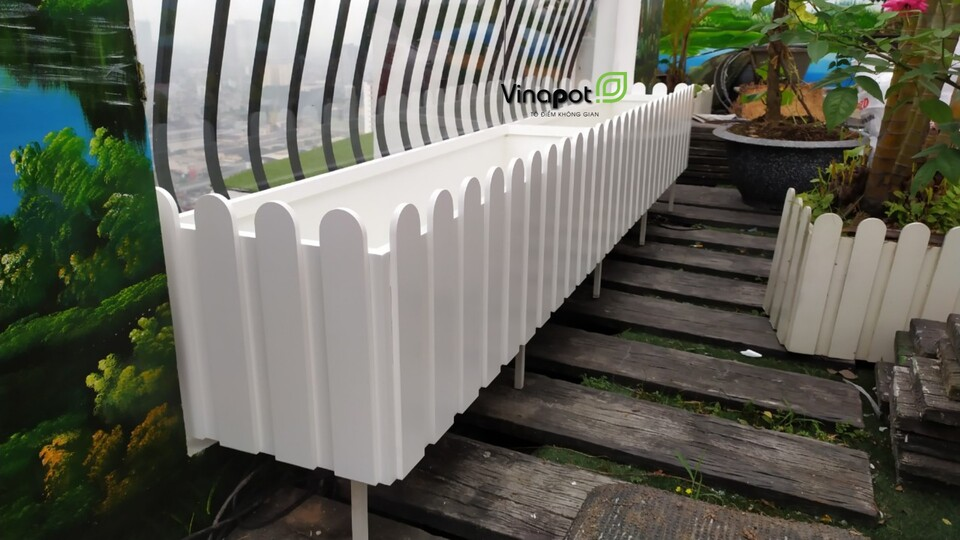 Chậu gỗ nhựa hàng rào Vinapot